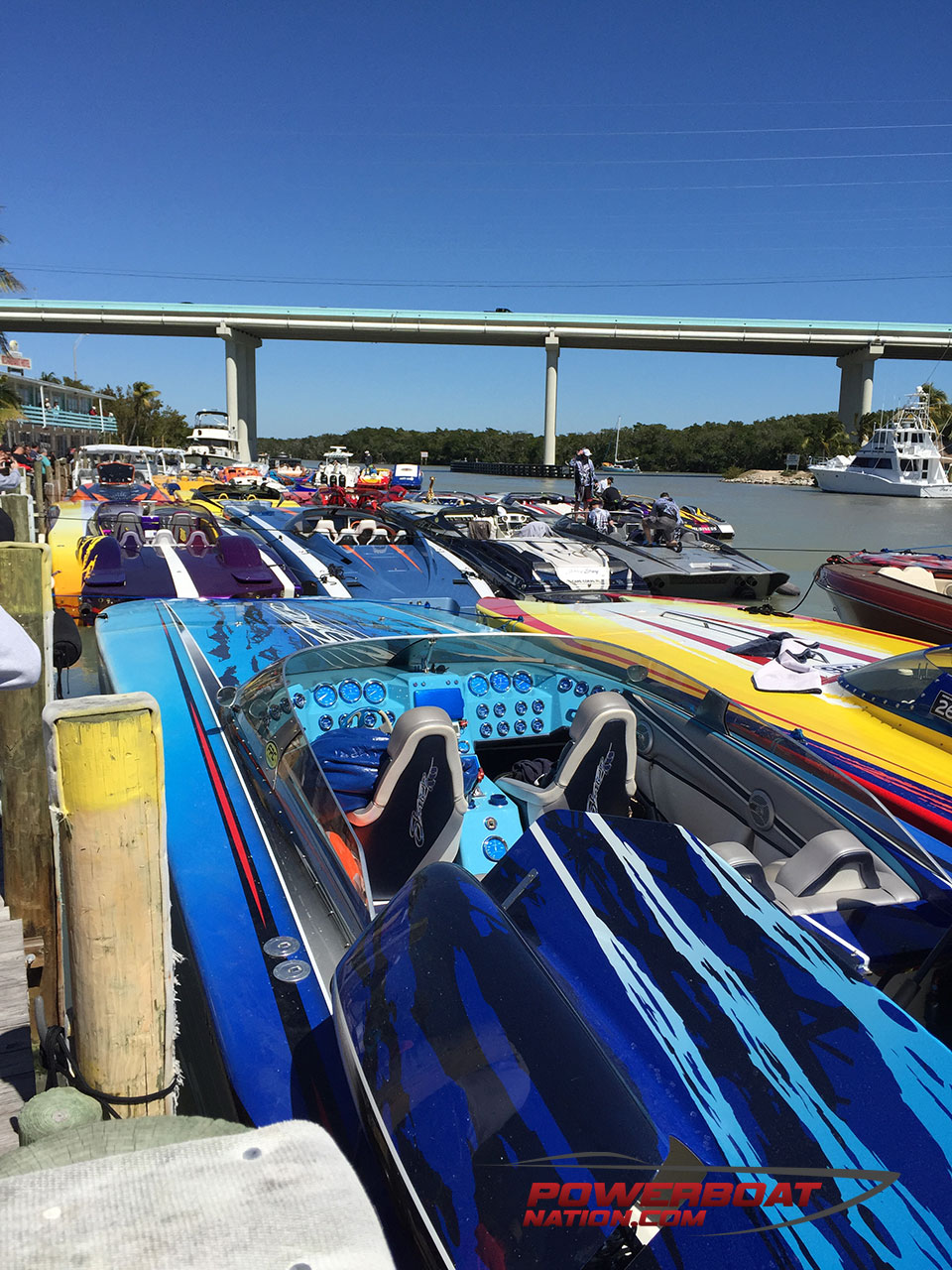 Florida powerboat club brings some badly needed heat to the miami boat show poker run - Miami boat show ...