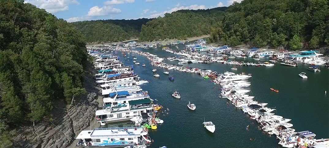 Dont Tell West Coast Boaters About The Lake Cumberland Poker Run